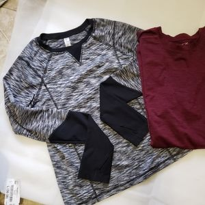 Set of 2 athletic wear tee shirt, size medium